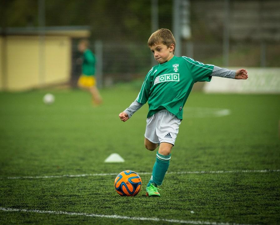 Cursurile de fotbal si beneficiile lor pentru copii - SuntParinte.ro